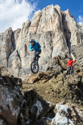 extreme-mountain-unicycling-02